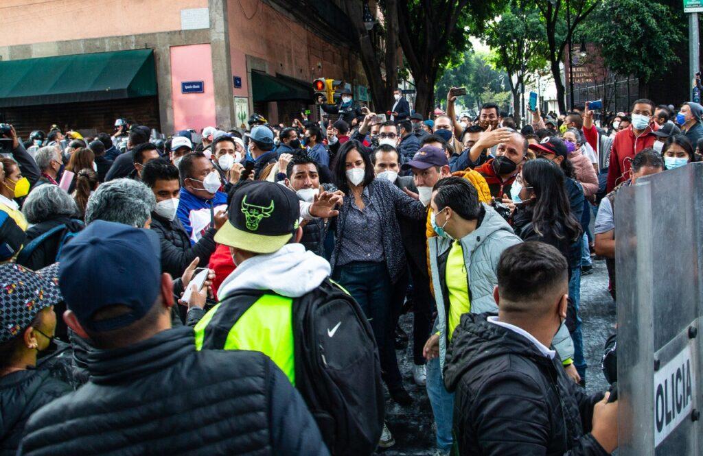 Felipe Calderón, Margarita Zavala y oposición condenan agresión contra alcaldes