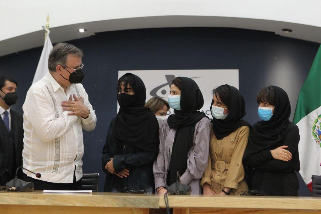 'México nos salvó la vida': mujeres afganas agradecen su llegada a nuestro país Foto: @SRE_mx