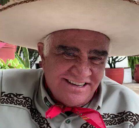Hospitalizan de nuevo a Vicente Fernández tras caerse en su rancho