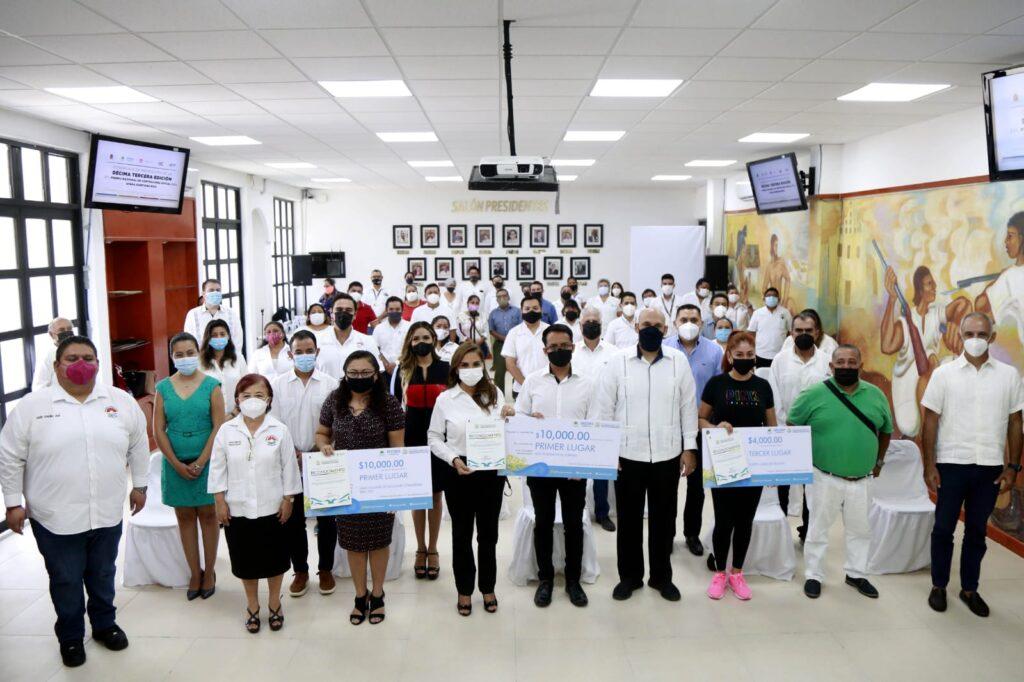 Mara Lezama entrega Premio de Contraloría Social a comités benitojuarenses Foto: Internet