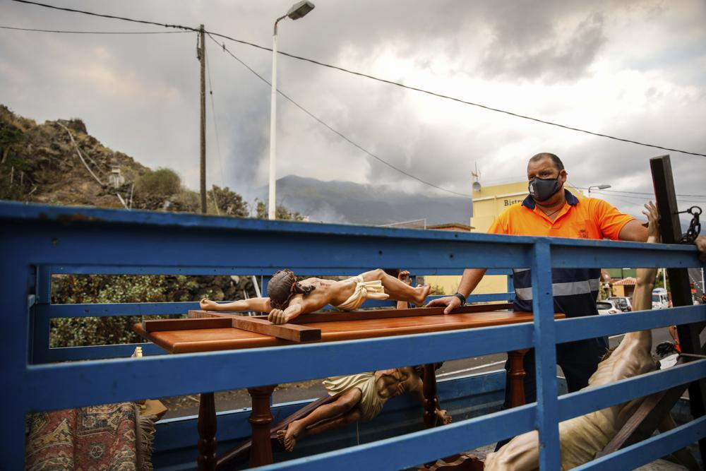 La lava y los temblores causan preocupación en isla española