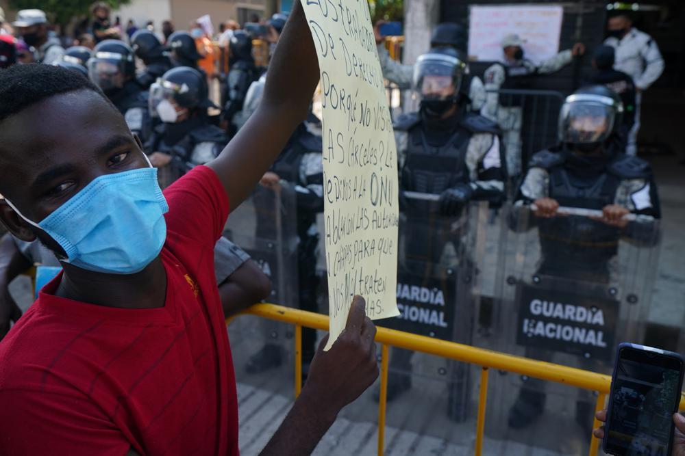 ONG denuncian a México en los tribunales por deportaciones Foto: AP