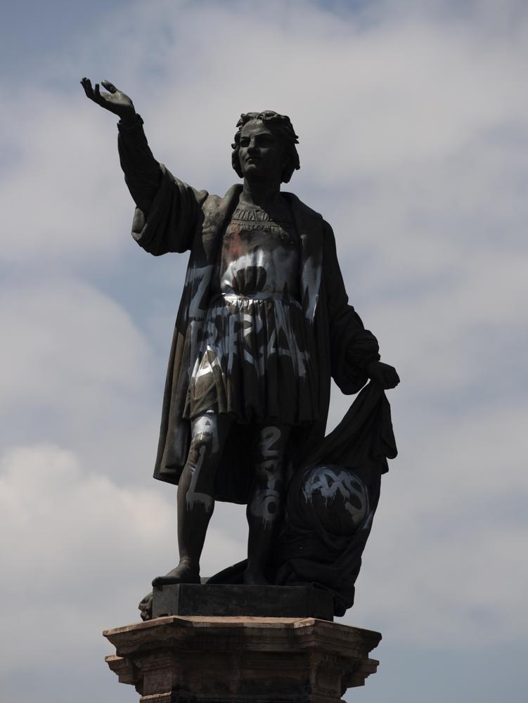 Estatua de Colón aún no está lista para reaparecer Foto: AP
