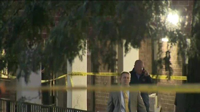 Hombre se arroja de edificio, cae sobre otro, mueren los dos