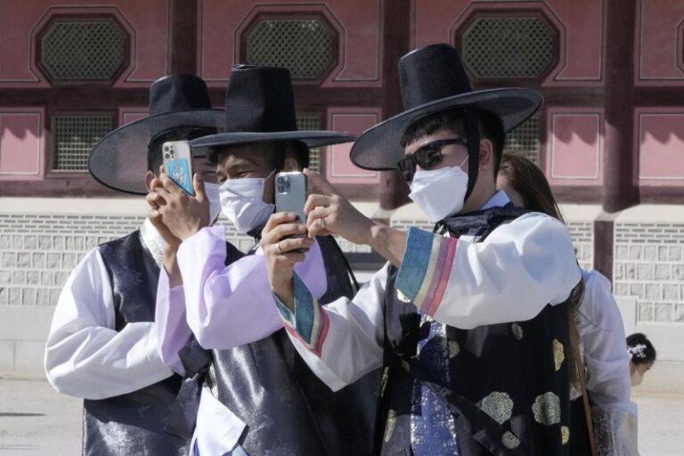 OMS reporta una baja global de los contagios de COVID-19 Foto: AP