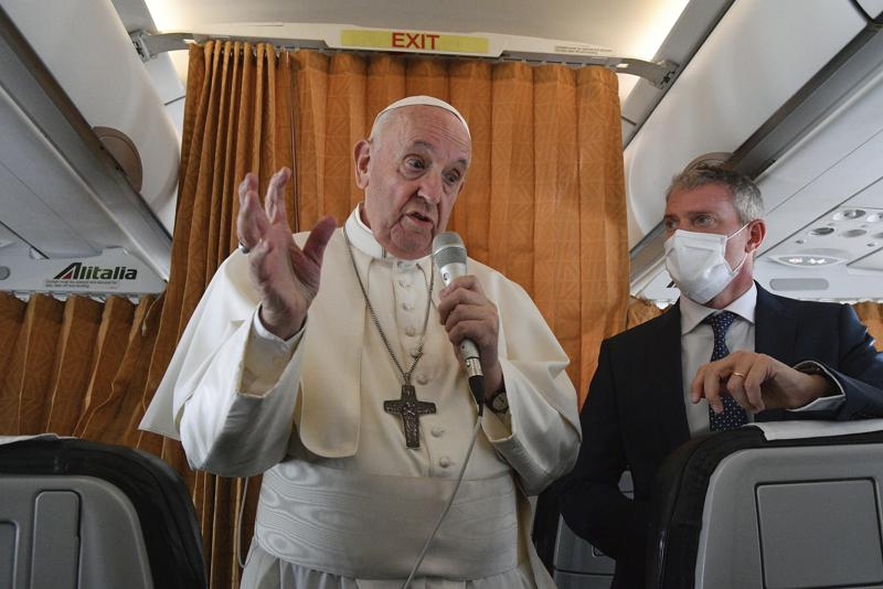 El papa fustiga a la gente que se niega a vacunarse contra el COVID-19 Foto: AP