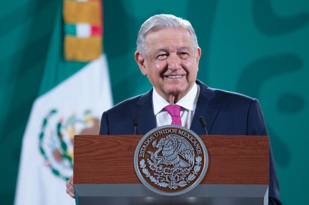 AMLO optimista por crecimiento económico; Pemex no está a la deriva