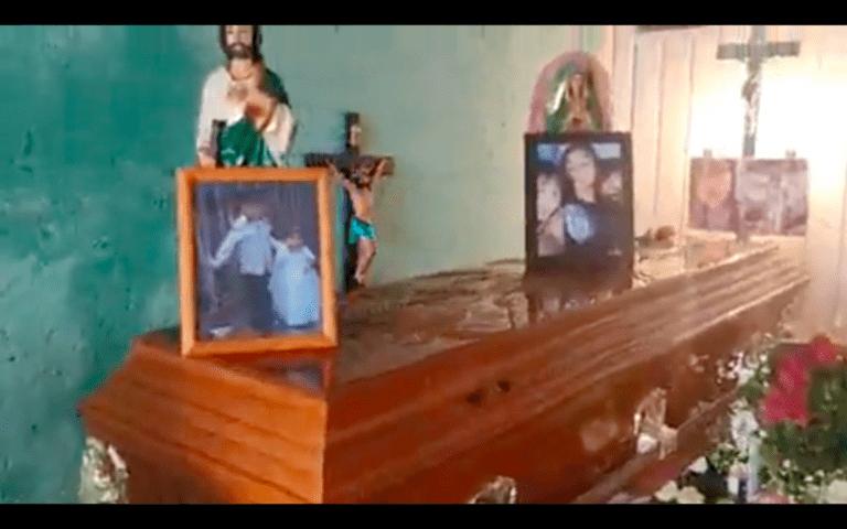 Así dan último adiós a Paola y Dilan, víctimas del derrumbe en Cerro del Chiquihuite (Video)