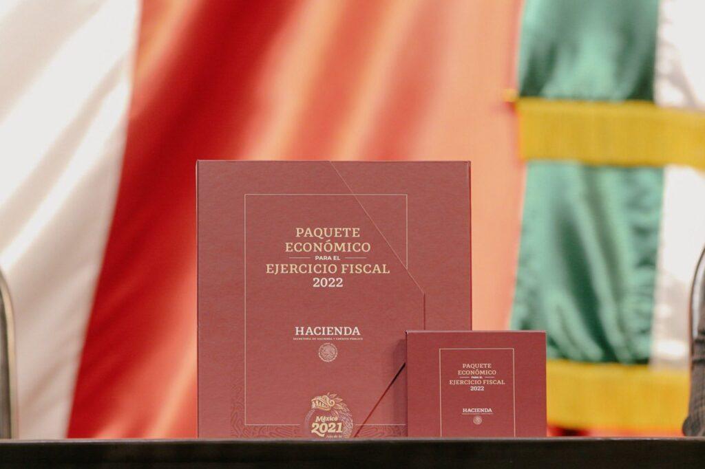 Entrega subsecretaria de Hacienda Paquete Económico 2022 al Senado