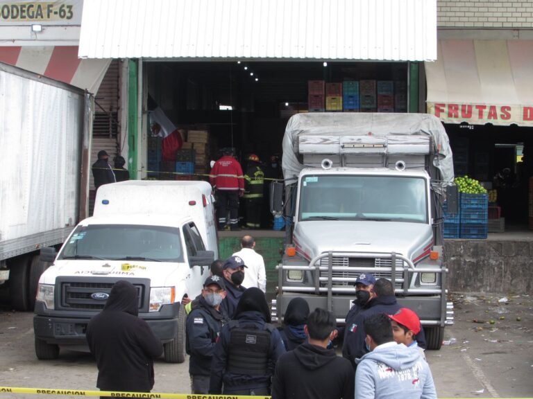 Fallecen cuatro personas en la Central de Abasto de Toluca Foto: @gfloresa7