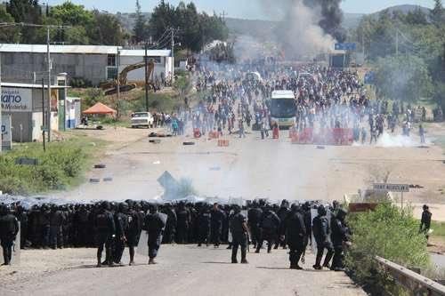 FGR detuvo a dos mandos por el caso de Asunción Nochixtlán, Oaxaca