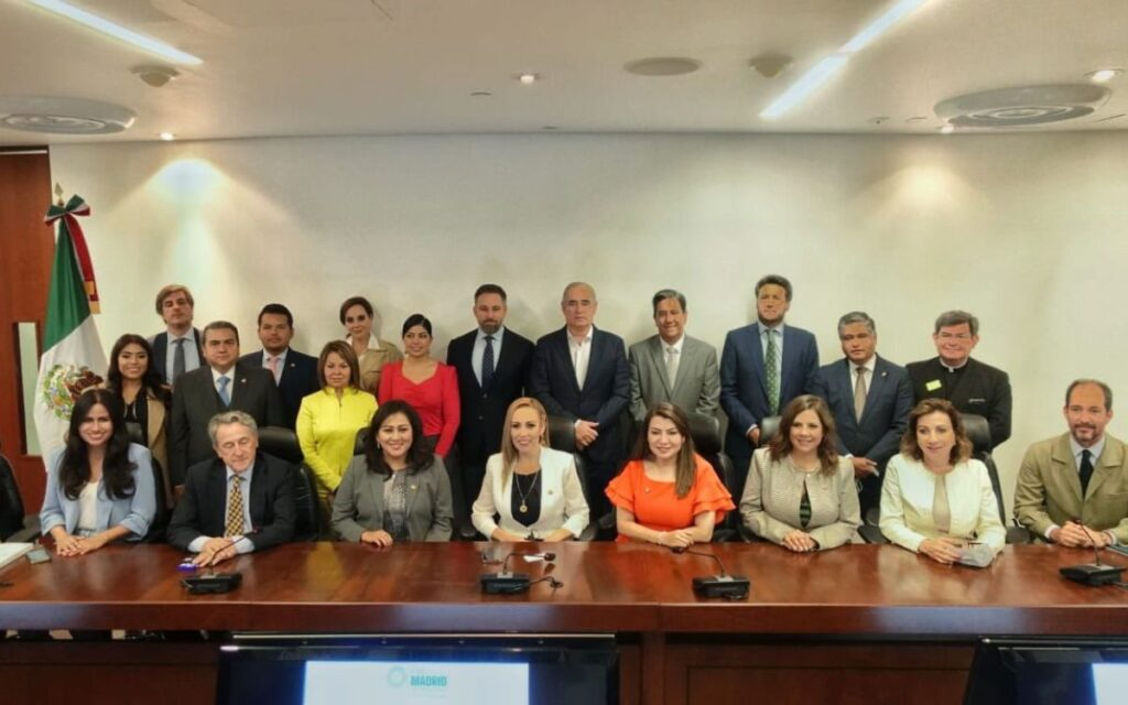 Felipe Calderón y panistas en contra de alianza del PAN con VOX