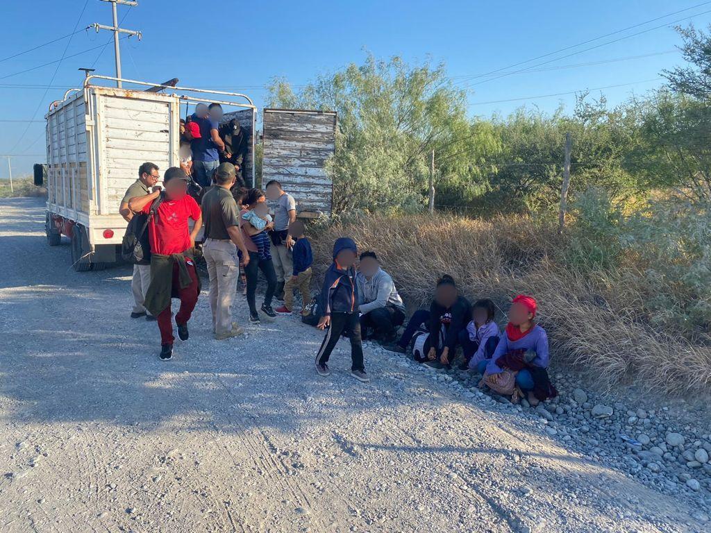 INM rescató a 103 migrantes abandonados en un camión de carga ***FOTOS SEGOB / INM***