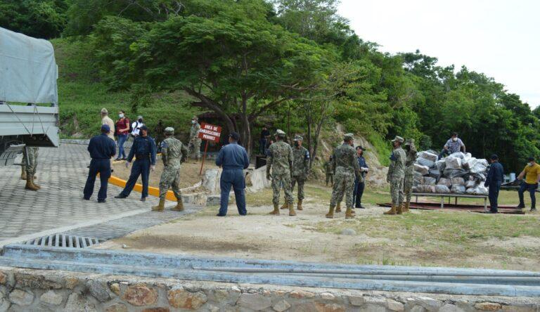 SEMAR y FGR incineraron más de dos toneladas de clorhidrato de cocaína asegurado en Oaxaca **FOTOS & VIDEO SEMAR / FGR***