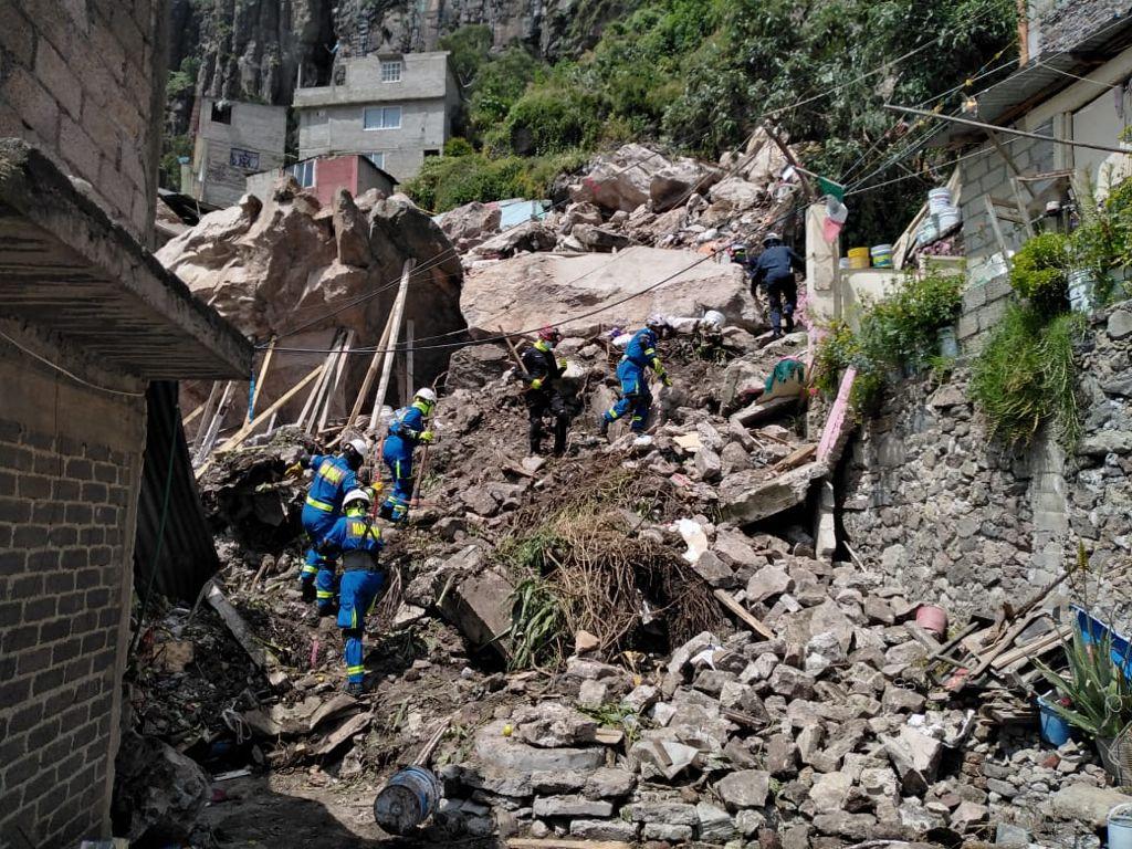 """SEMAR participa en labores de auxilio en la zona del derrumbe en el """"Cerro del Chiquihuite"""" **FOTOS & VIDEO SEMAR**"""