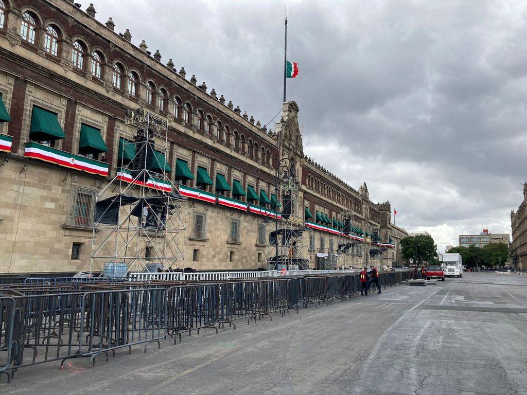 Zócalo alista preparativos para celebración de la Ceremonia del Grito de Independencia Foto: Especial