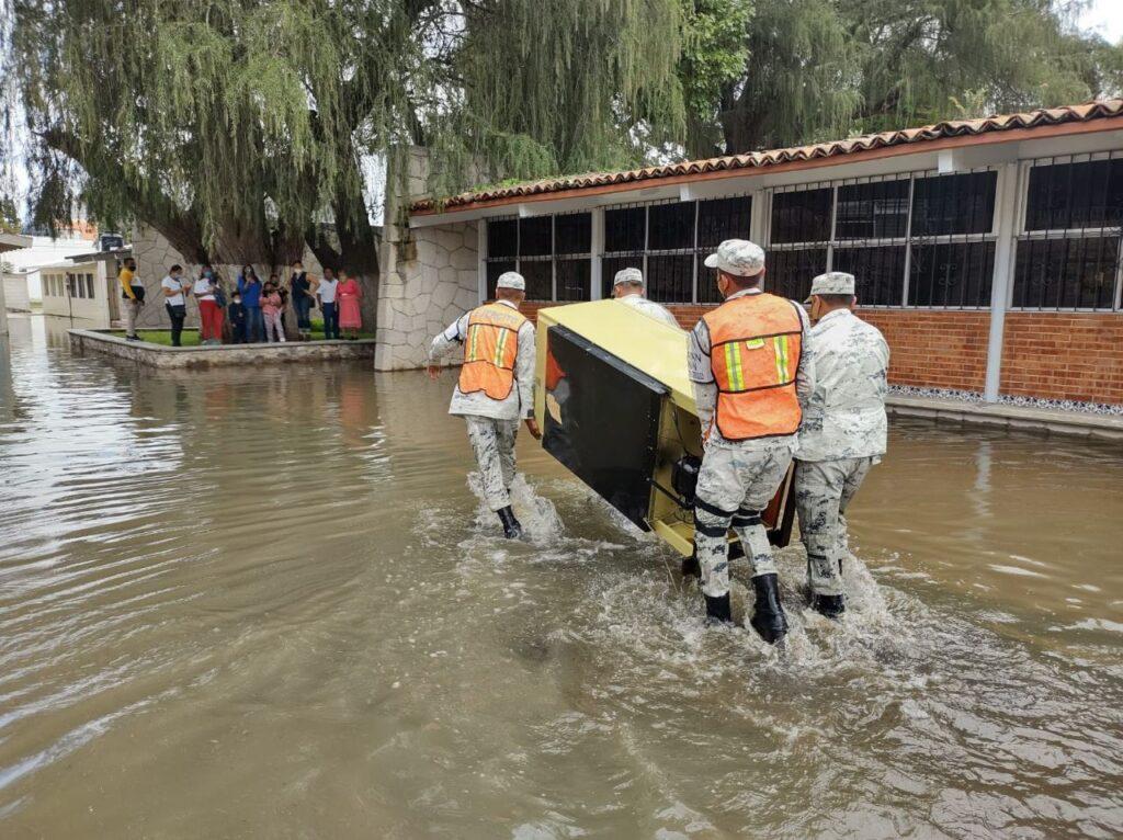 """Guardia Nacional aplica """"Plan GN-A"""" por el desbordamiento del """"Río San Juan"""" en Querétaro ***FOTOS GN****"""