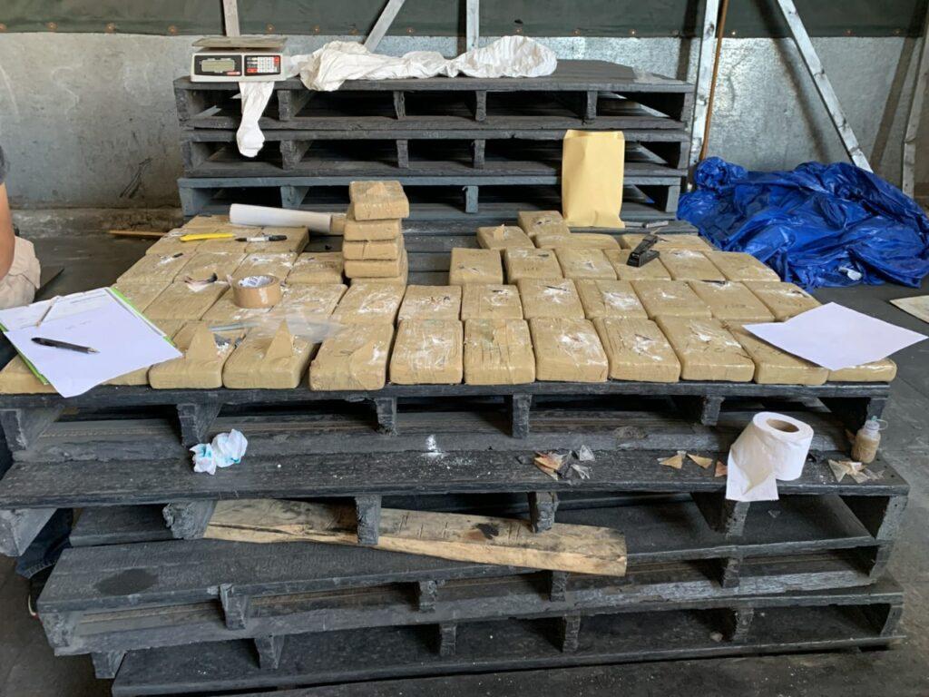 SEMAR y FGR incautaron 50 paquetes de clorhidrato de cocaína en el Recinto Portuario de Ensenada, BC **FOTOS SEMAR / FGR**