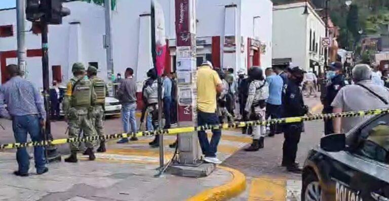 Enfrentamiento en el Centro Histórico del municipio de Metepec, deja un muerto y dos heridos **FOTOS & VIDEO ESPECIALES**