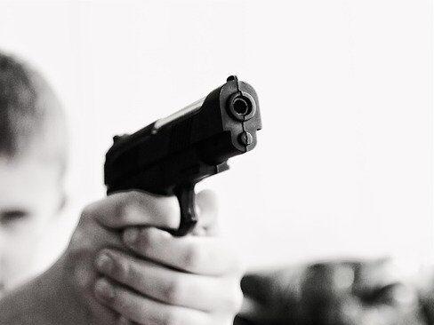 Prisión preventiva para delitos cometidos de armas de fuego de juguete propone diputada de Morena