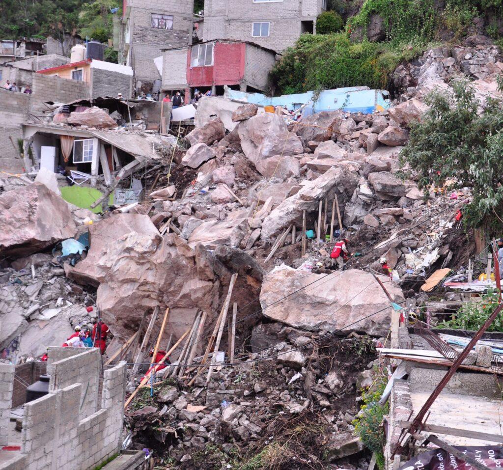derrumbre en el cerro del chiquihuite