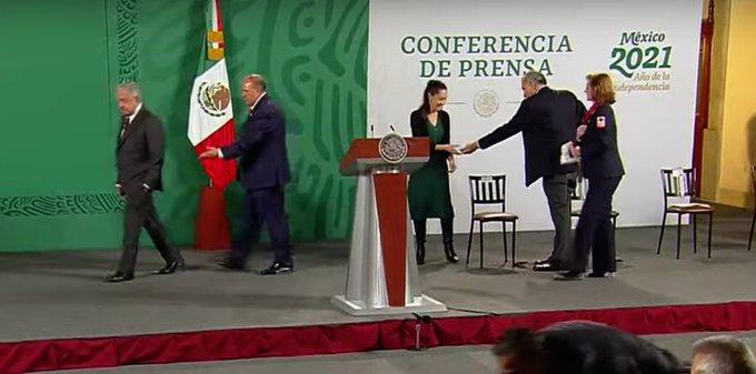 Le prestan a Sheinbaum para colecta de la Cruz Roja Mexicana (Video)