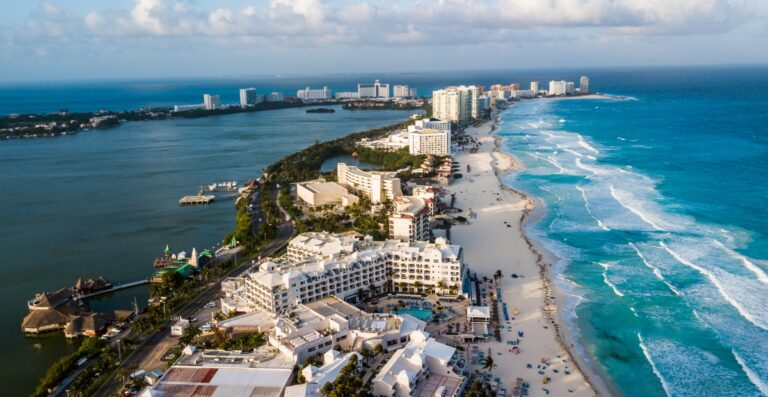 Caribe mexicano, líder en capacitación de turismo internacional en México Foto: Internet