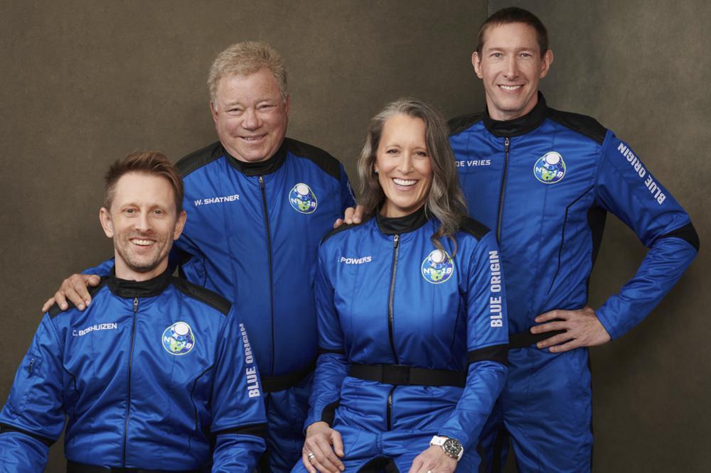 Astro de Star Trek William Shatner llega al espacio a los 90