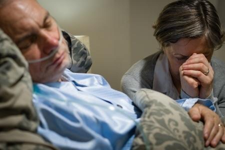 Decisión de unirse en matrimonio o concubinato con una persona que padece una enfermedad crónica o incurable, solo le corresponde a quien pueda sufrir ese riesgo Foto: Internet