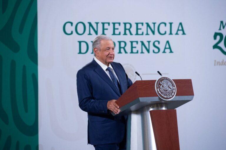 Aulas de la UNAM se llenaron de conservadores: AMLO