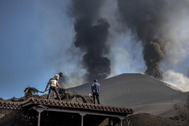 Volcán de la Palma arroja tsunami de lava, según científicos Foto: AP