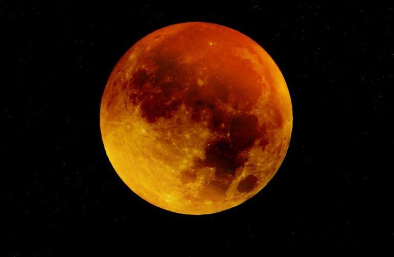 ¡Es hoy! La luna llena del cazador o luna de sangre
