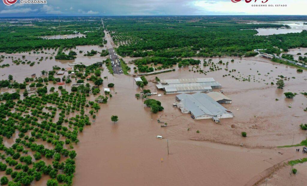 Inundaciones en Nayarit tras desbordamiento del río San Pedro, miles de afectados (Video)