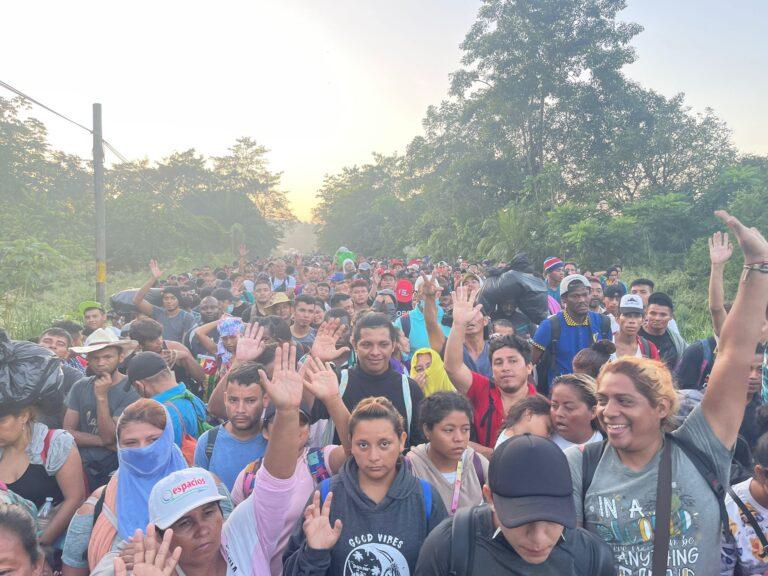 CNDH acompaña el recorrido de la caravana migrante *FOTOS Y VIDEO ESPECIALES*